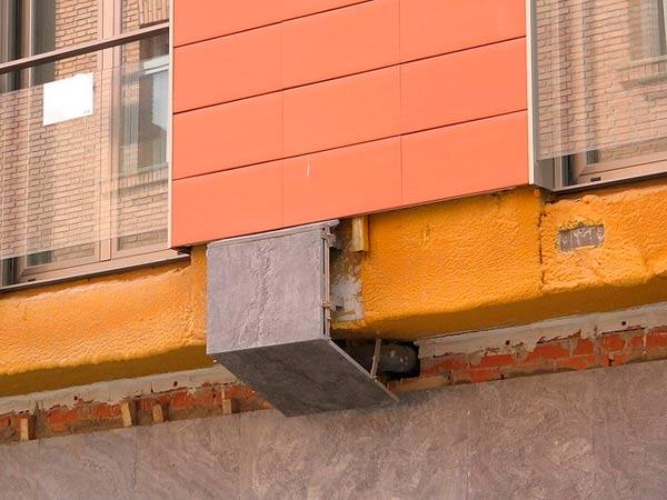 aislamiento-con-poliuretano-en-fachadas-ventiladas