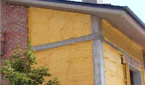 espuma de poliuretano fachada proyecatda La espuma de Poliuretano, según Bricoblog
