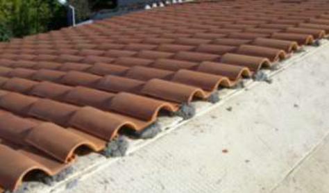 Cubierta de teja sobre pelladas, aislada con poliuretano proyectado