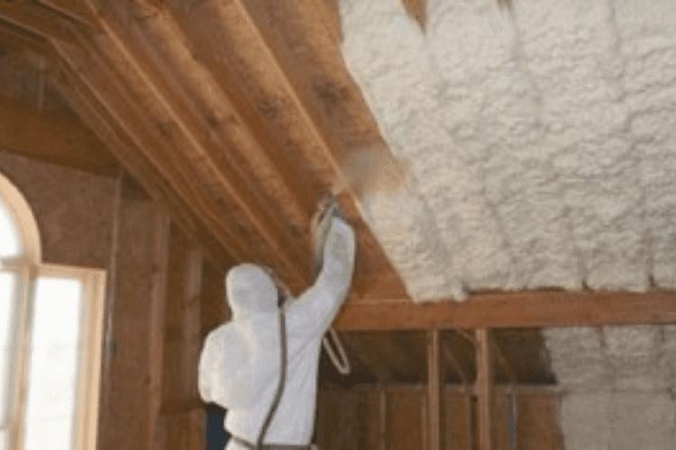 poliuretano-proyectado-madera