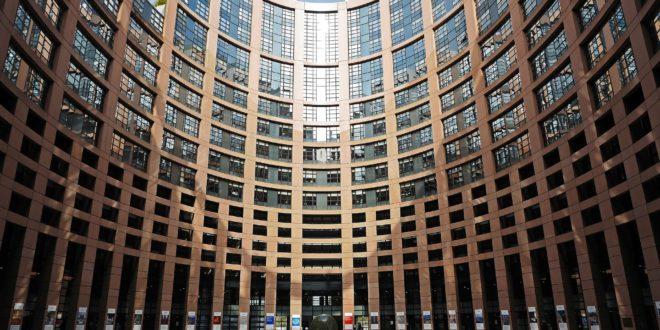 La Unión Europea acuerda medidas para implementar la eficiencia energética en edificios y la movilidad eléctrica